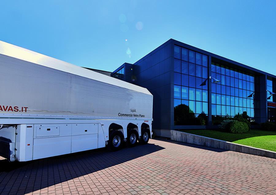 Camion savas per il trasporto del vetro