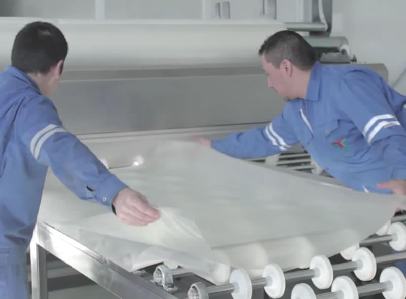 Pellicola intermedia per stratificazione vetri